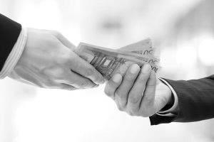 Mag een syndicus commissielonen ontvangen van leveranciers?